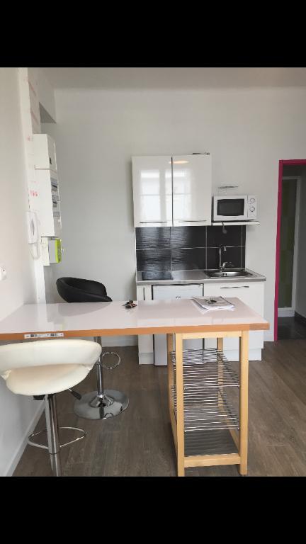Studio renové et meublé